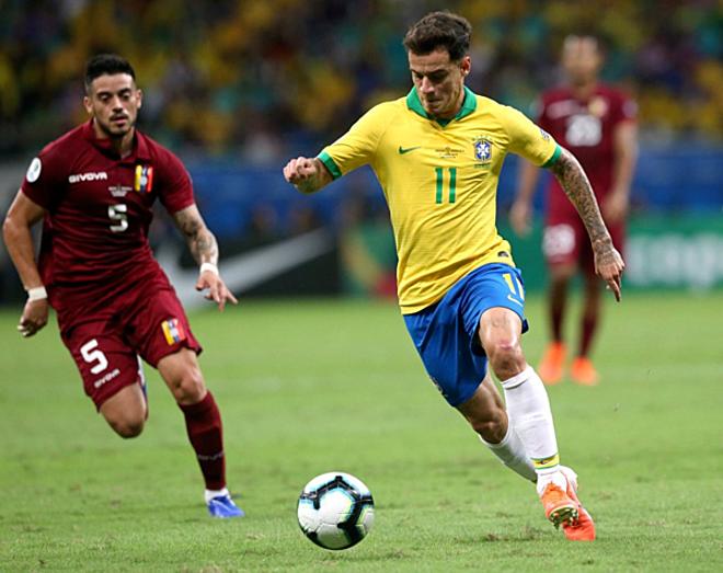 Coutinho chưa cho thấy được vai trò nhạc trưởng Brazil. Ảnh:CBF.