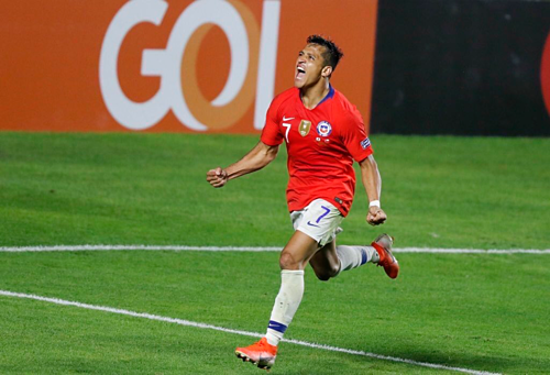 Sanchez đang lấy lại hình ảnh trong màu áo tuyển Chile. Ảnh: AFP.