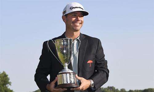 Reavie mừng chức vô địch PGA Tour đầu tiên sau 11 năm. Ảnh: AP.