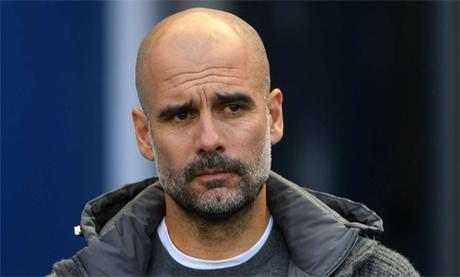 Pep Guardiola và Jurgen Klopp đang là hai HLV hàng đầu tại Anh. Ảnh: Reuters