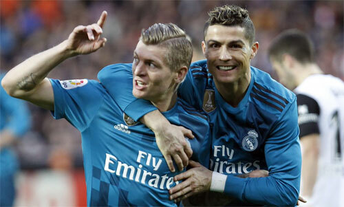 Kroos và Ronaldo từng cùng nhau giành ba chức vô địch châu Âu liên tục. Ảnh: Reuters