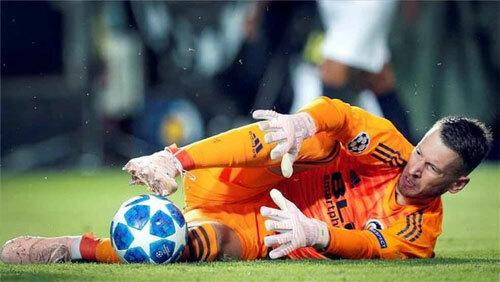 Neto là một trong những thủ môn hàng đầu La Liga mùa trước. Ảnh: Reuters