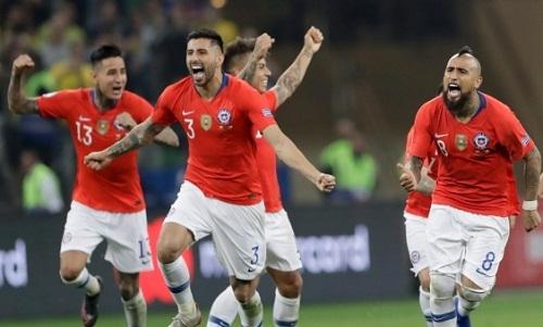 Chile đi tiếp nhờ khả năng sút luân lưu rất tốt của các cầu thủ. Ảnh: AFP.