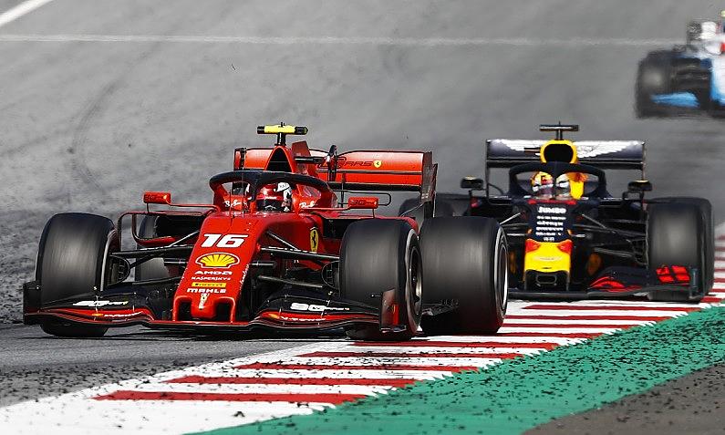 Verstappen dọa bỏ F1 nếu bị phạt vụ va chạm với Leclerc