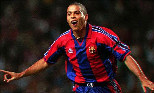 Một mùa giải bùng nổ tại Barca khiến Ronaldo Nazario có cái giá đắt kỷ lục. Ảnh: Reuters