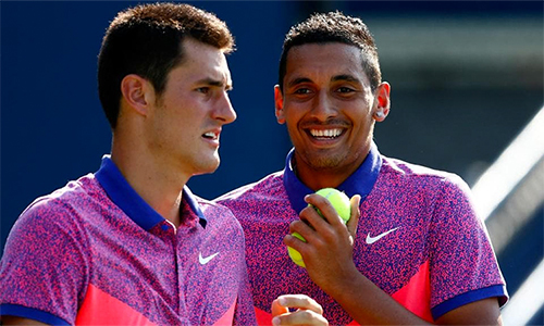 Kyrgios (phải) và Tomic là hai tay vợt lắm tài nhiều tật của Australia. Ảnh: Courier Mail.