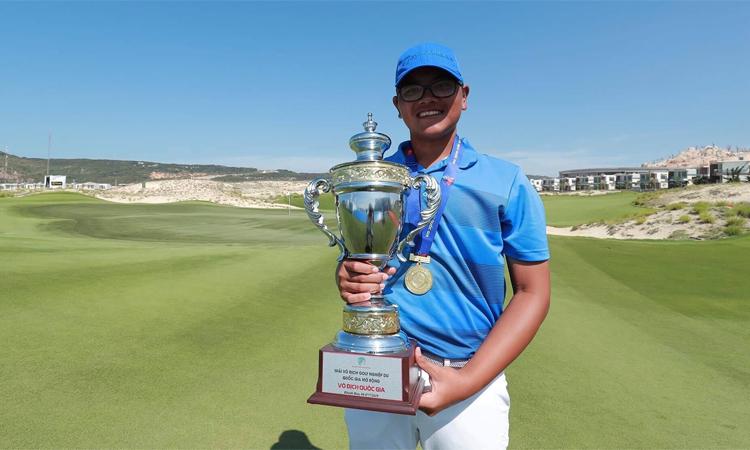 Bảo Long vô địch giải nghiệp dư Quốc gia ở tuổi 14. Ảnh: Golfnews.