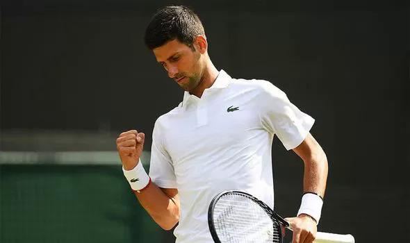 Djokovic hoàn toàn áp đảo tay vợt trẻ người Pháp. Ảnh: AFP.