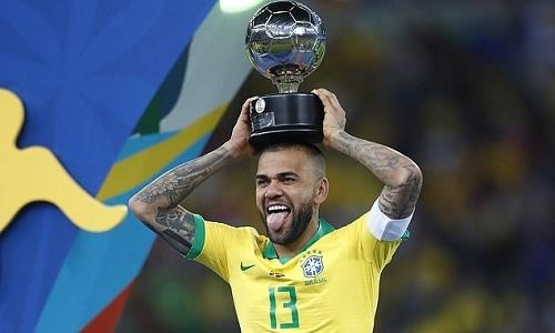 Alves là một trong những cầu thủ thành công nhất trong lịch sử. Ảnh: AFP.