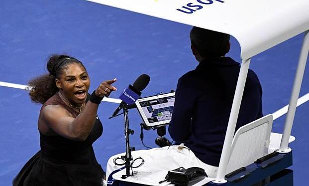 Serena chửi trọng tài là kẻ cắp ở chung kết Mỹ Mở rộng 2018. Ảnh: USA Today.