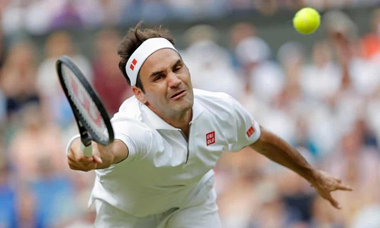 Federer gặp khó khăn lúc ban đầu, trước khi thể hiện đúng đắng cấp trước đối thủ đến từ Nhật Bản. Ảnh: AP.