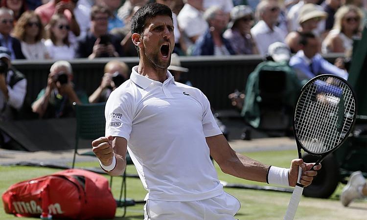Giới chuyên môn phần lớn dự đoán Djokovic thắng Federer sau bốn set. Ảnh: AP.