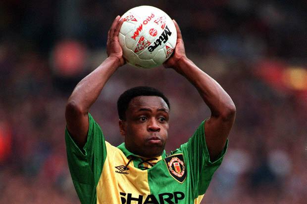 Paul Parker, sinh năm 1964, là hậu vệ của Man Utd giai đoạn 1991-1996, cùng CLB đoạt năm danh hiệu, trong đó có hai chức vô địch Ngoại hạng Anh vào các năm 1993, 1994.