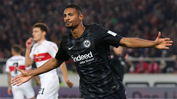 Haller tham gia trực tiếp vào 24 bàn thắng của Frankfurt tại Budnesliga mùa trước (ghi 15 bàn, kiến tạo chín bàn), chỉ thua một tiền đạo khác ở thống kê này, là Lewandowski (24, cho Bayern).