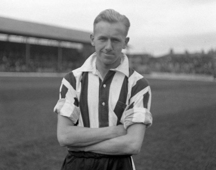 Eastham là người đi tiên phong giúp giới cầu thủ giành lại công bằng trong cuộc chiến quyền lợi với CLB.