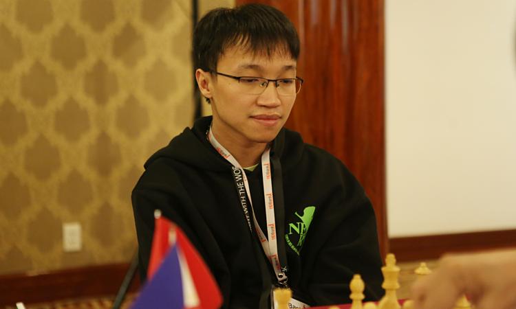 Nguyễn Ngọc Trường Sơn cùng Quang Liêm có cơ hội đọ sứcvới Vua cờ Magnus Carlsen. Ảnh: Xuân Bình.