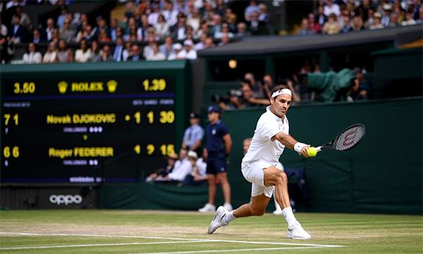 Federer là hiện thân cho cái đẹp và sự hoàn mỹ trong tennis, nhưng anh sắp sang tuổi 38 và không còn nhiều thời gian thi đấu đỉnh cao.
