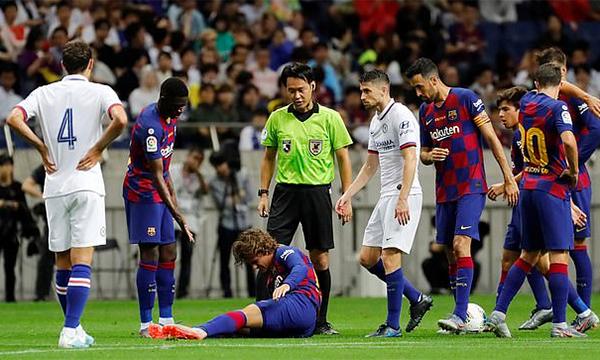 Griezmann chấn thương ngay trận ra mắt Barca