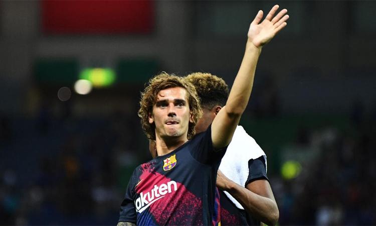Bóng đá ngày càng có nhiều những siêu sao được trả lương sau thuế cao ngất ngưởng như Griezmann ở Barca.