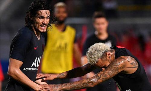 Neymar và Cavani từng cùng nhau ghi hàng chục bàn cho PSG. Ảnh: Reuters