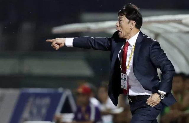 HLV Chung Hae-soung giúp bóng đá TP HCM khởi sắc ở mùa này và trở thành thế lực có thể cạnh tranh với Hà Nội. Ảnh: Đức Đồng.