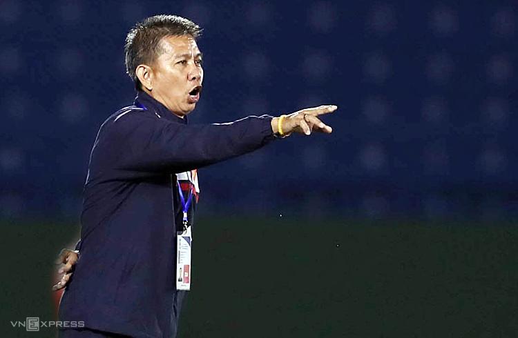 HLV Hoàng Anh Tuấn đánh giá cao Thái Lan dù đối thủ này đã thua hai và hoà một trận. Ảnh: Đức Đồng.