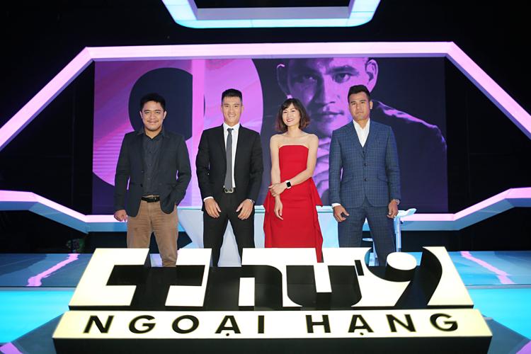 Từ trái sang: Nhà báo Trần Minh, Công Vinh, Ngọc Châm và Phan Thanh Bình.