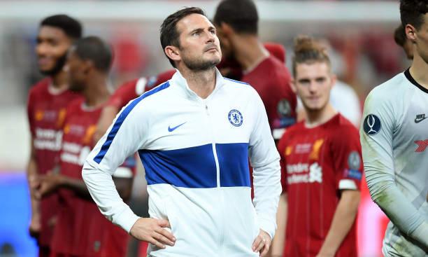 Lampard thất thần khi thua Liverpool trong loạt luân lưu tối 14/8. Ảnh: Reuters.