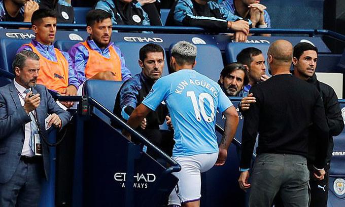 Guardiola và Aguero cãi nhau suốt 44 giây