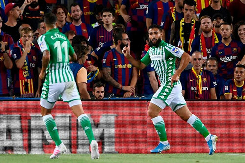 Fekir khiến Barca không khỏi đau đầu.