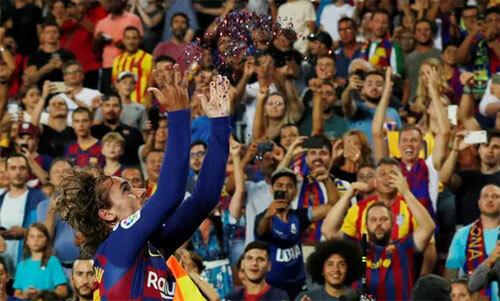 Griezmann: Tôi bắt chước cách Messi ghi bàn - ảnh 1