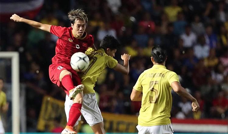 Văn Toàn thi đấu trong trận thắng Thái Lan 1-0 tại Kings Cup ngày 4/6.