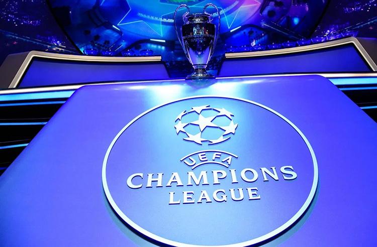 Vòng sơ loại của Champions League hiện bắt đầu từ cuối tháng 6. Vòng loại thứ nhất, thứ hai, thứ ba và play-off diễn ra vào tháng 7. Những CLB ở các nền bóng đá nhỏ như Thụy Điển, Na Uy, Belarus, Ba Lan, Bulgaria, Romania... phải chơi 8 trận để được dự vòng bảng Champions League.