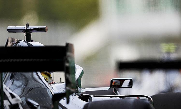 Các tay đuacố tình đi chậm để núp gió và họbị FIA điều tra. Ảnh: Motorsport.