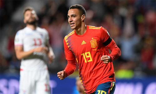 Rodrigo để lại dấu ấn bằng hai bàn. Ảnh: Reuters
