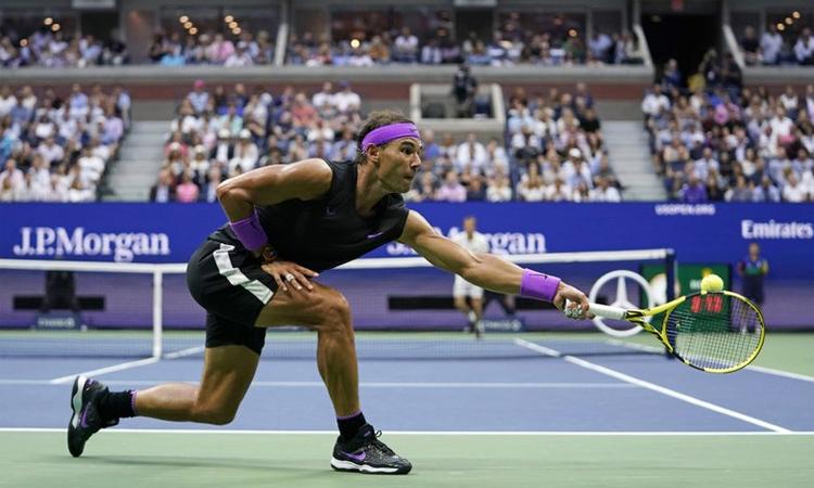 Nadal chứng tỏ bản lĩnh ở set quyết định. Ảnh: AP.