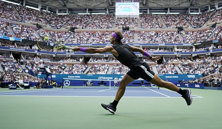 Ở tuổi 33, Nadal vẫn rất dẻo dai. Ảnh: AP.