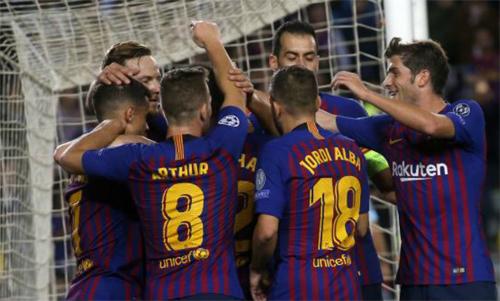 CĐV Barca chuẩn bị xem một loạt trận hấp dẫn. Ảnh: Marca