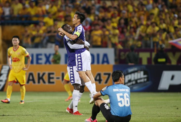 Hà Nội đè bẹp Nam Định ở V-League - ảnh 1