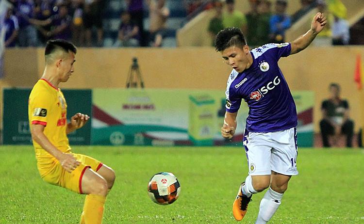 Quang Hải và đồng đội muốn gianh ba điểm để tiến gần đến chức vô địch V-League 2019. Ảnh: VPF.