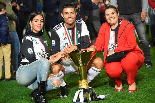 Ronaldo đang thành công cả trong lẫn ngoài sân cỏ. Ảnh: Reuters