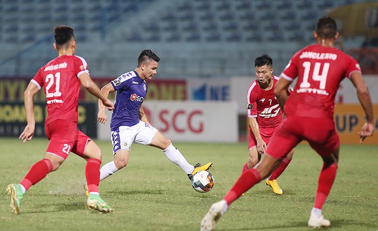 Với hai bàn thắng và một kiến tạo, Quang Hải được bình chọn là cầu thủ hay nhất trận