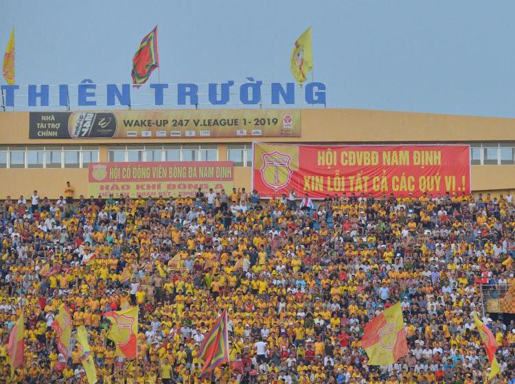 CĐV Nam Định gửi lời xin lỗi trong trận đấu với TP HCM ngày 15/9