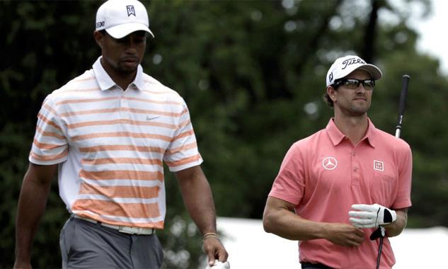 Tiger Woods và Scott từng nhiều lần đọ tài trên sân golf.