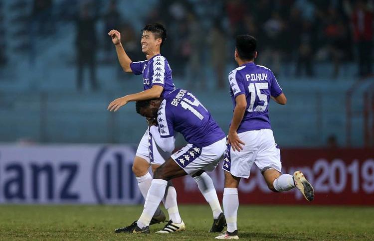 Duy Mạnh tự tin Hà Nội có thể giành chiến thắng ngay trên sân của 4.25 SC để vào chung kết toàn khu vực AFC Cup.