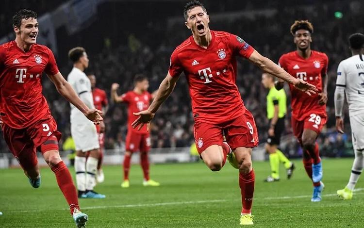 Ít người nghĩ Bayern sẽ chiến thắng tưng bừng trên sân Tottenham. Ảnh: EPA.