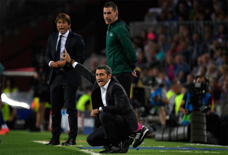 Valverde thoát hiểm trong trận đấu mà Conte có không ít cơ hội chiến thắng. Ảnh: AFP.