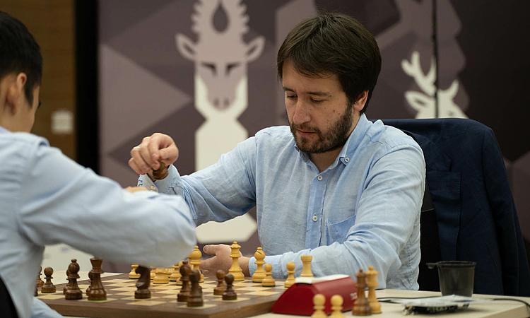 Radjabov tái xuất ấn tượng để lần đầu vô địch Cup Thế giới. Ảnh: FWC.