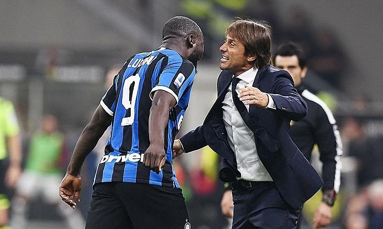 Conte muốn Lukaku tập luyện để cơ thể thon gọn hơn. Ảnh: Photo News.