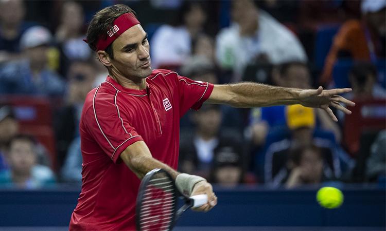 Những cú thuận tay nặng giúp Federer thoát hiểm ở set hai. Ảnh: Rolex Shanghai Masters.